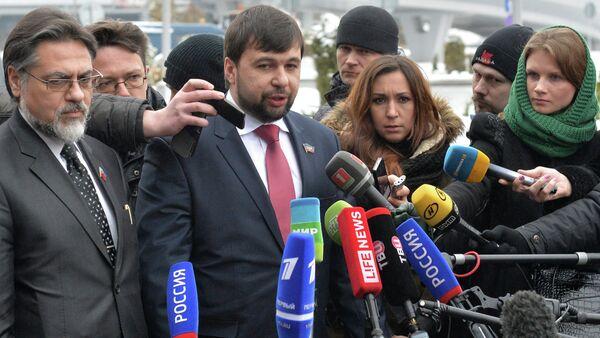 Press conference of DPR and LPR representatives in Minsk Airport - Sputnik International