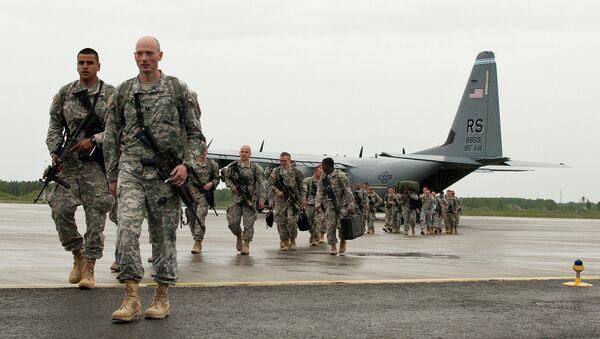 U.S. Paratroopers arrive in Estonia for NATO training - Sputnik International