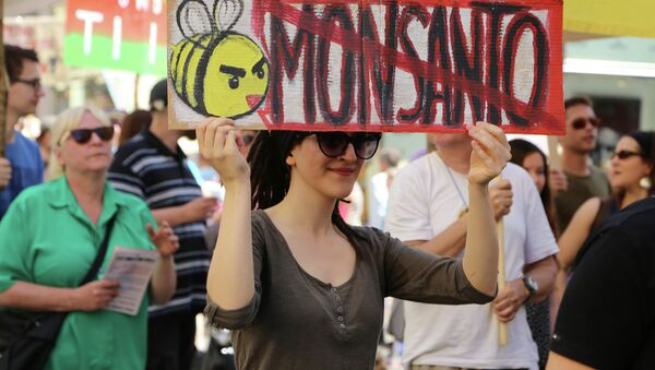 Monsanto has come under fire from critics of farming that is reliant on synthetic fertilizers and pesticides. - Sputnik International