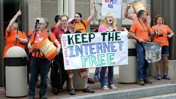 Wednesday's announcement by FCC Chairman Tom Wheeler marked a big victory for advocates of net neutrality. - Sputnik International