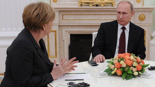 Russian President Vladimir Putin holds meeting with FRG Chancellor Angela Merkel and President of France Francois Hollande - Sputnik International