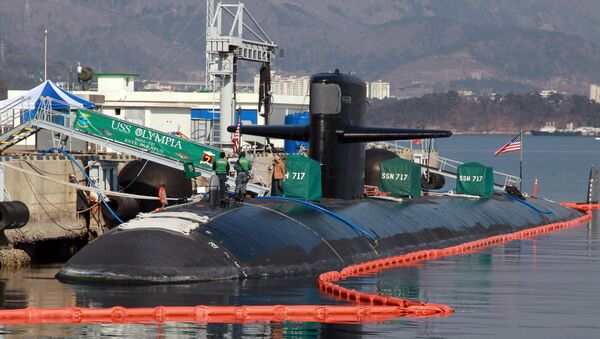 This picture taken on February 2, 2015 shows US submarine USS Olympia (SSN-717) mooring at a South Korean naval base in Changwon - Sputnik International