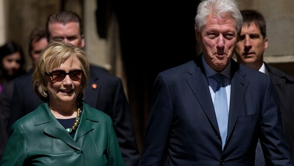 As US prosecutors consider filing criminal charges against UK-based HSBC for aiding tax evaders, several major donors to a Clinton-family foundation are revealed to have ties to the bank's controversial Swiss division. - Sputnik International