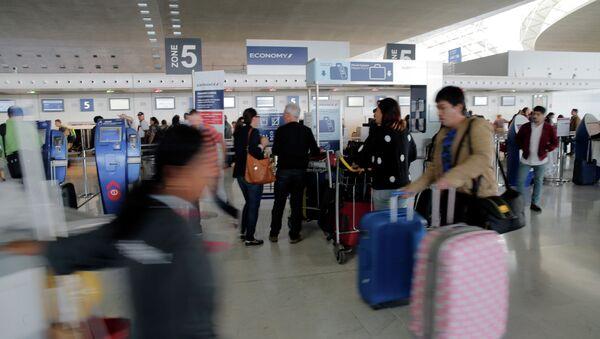 Charles de Gaulle airport - Sputnik International