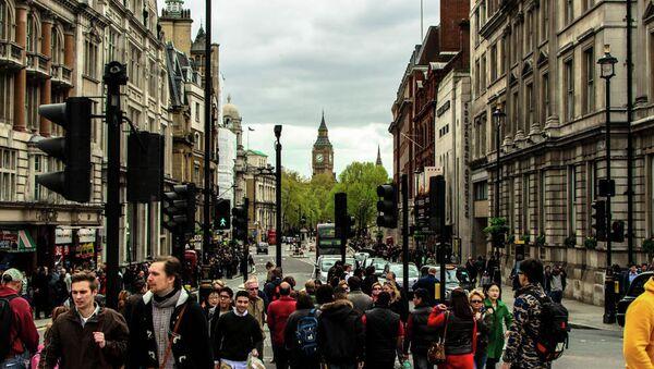 People walking in the streets of London - Sputnik International
