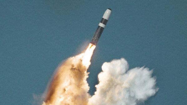 Underwater launch of a Trident ballistic missile from a submarine - Sputnik International