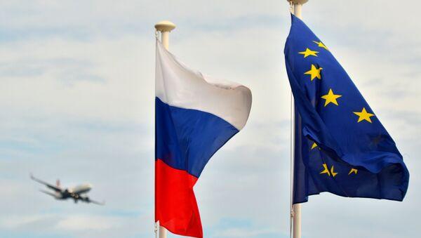 Flags of Russia, the EU, France on the promenade of Nice. (File) - Sputnik International