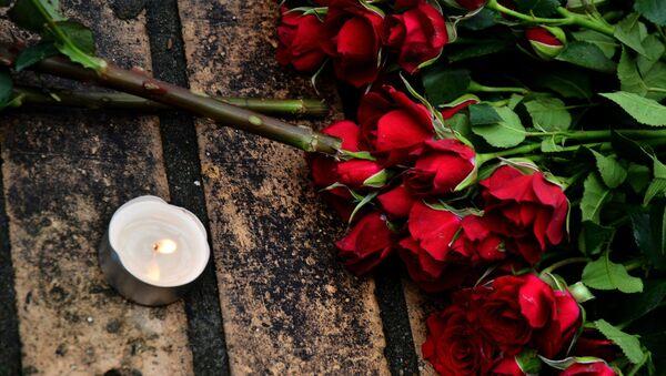 Flowers on murder scene of politician Boris Nemtsov - Sputnik International