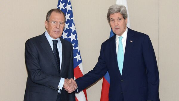 Russian Foreign Minister Sergei Lavrov and US Secretary of State John Kerry - Sputnik International
