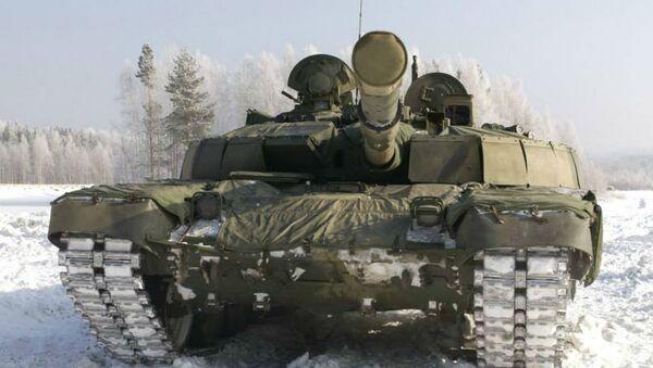 The T-72B2 'Rogatka', which translates as 'Slingshot'. - Sputnik International