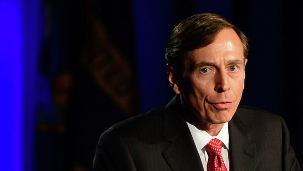 Former CIA director David Petraeus addresses a University of Southern California event honoring the military on March 26, 2013 in Los Angeles, California - Sputnik International
