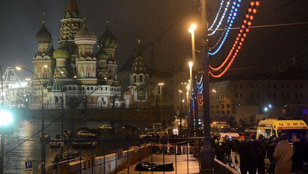 A murder scene of politician Boris Nemtsov, who was shot dead on Moskvoretsky bridge - Sputnik International