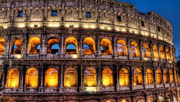 The Colosseum at dusk - Sputnik International