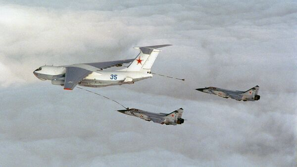 Russian bomber planes refueling - Sputnik International
