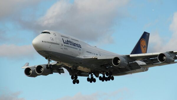 Lufthansa Boeing 747-400 - Sputnik International