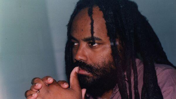 Mumia Abu-Jamal in prison in 1998 - Sputnik International