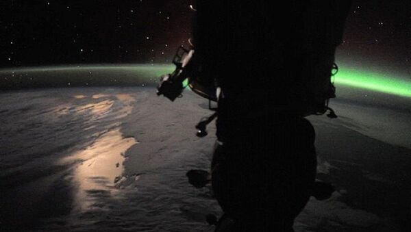 The Soyuz spacecraft against the background of our beautiful planet - Sputnik International