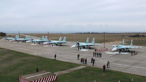 New equipment arrives at Belbek airfield in Crimea - Sputnik International