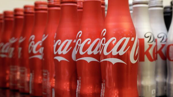 Coca-cola, which struggles with declining soda consumption in the US, is working with fitness and nutrition experts who suggest its cola as a healthy treat. - Sputnik International