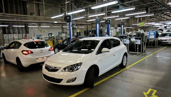 Opel Astra compacts manufactured at the General Motors plant in the Shushary-2 production zone - Sputnik International