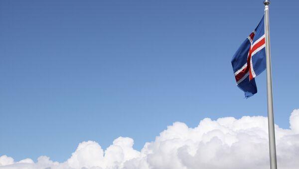 Icelandic Flag Above the Clouds - Sputnik International