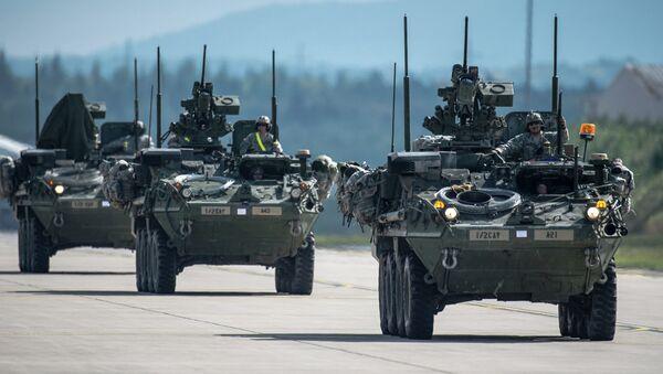 US Army Stryker infantry carrier vehicles convoy - Sputnik International