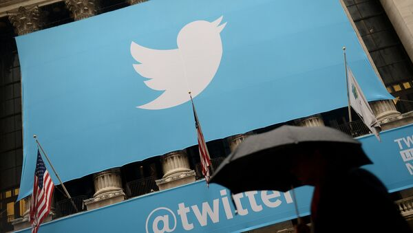 Twitter on the front of the New York Stock Exchange (NYSE) in New York - Sputnik International