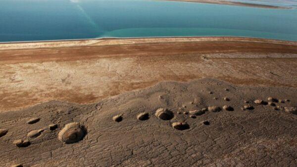 Dead Sea sinkholes growing at alarming rate  - Sputnik International
