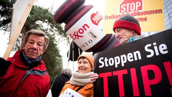 Anti-TTIP protesters in Germany - Sputnik International