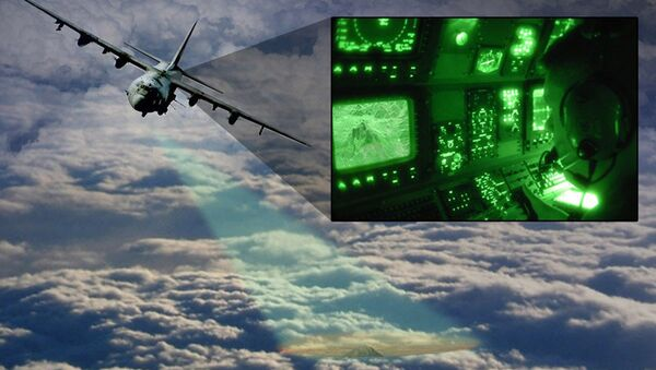 Artist's impression of a close-air-support aircraft with the Video Synthetic Aperture Radar (ViSAR) imaging the ground through a layer of clouds - Sputnik International