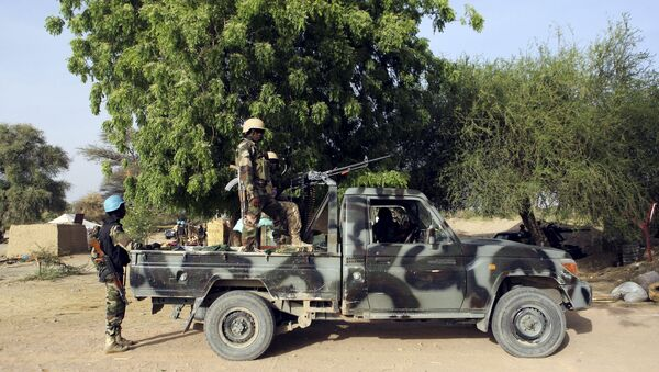 Nigerien soldiers hold positions at the border with Nigeria in Diffa, Niger - Sputnik International