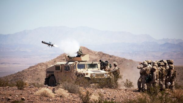 The art of anti-armor warfare: 3/3 'Missile Marines' prepare for enemy by shooting TOW, Javelin missiles  - Sputnik International
