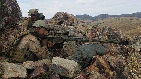 Recon Marines seize enemy objective during raid exercise - Sputnik International