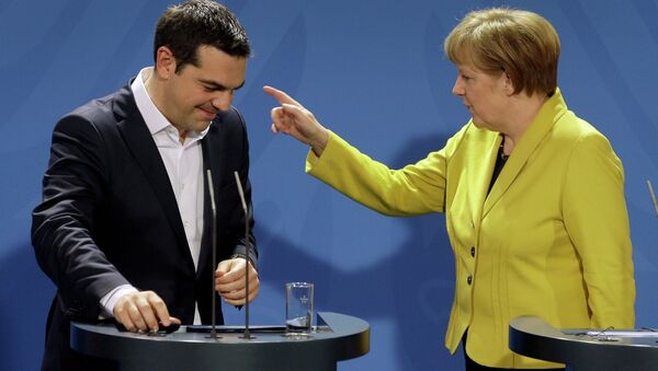 German Chancellor Angela Merkel (right) and the Prime Minister of Greece Alexis Tsipras (left) - Sputnik International