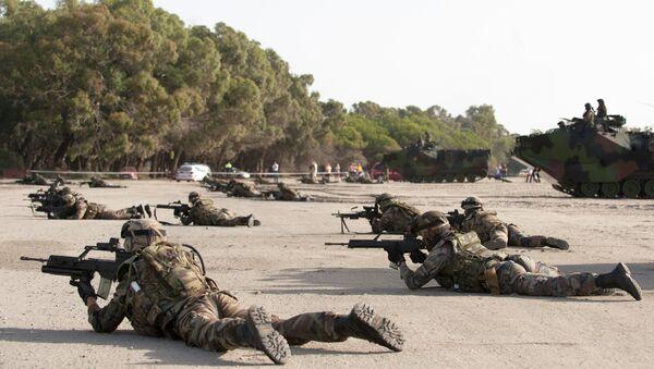 Spanish Navy Marines take position during a NATO Response Force training exercise. - Sputnik International