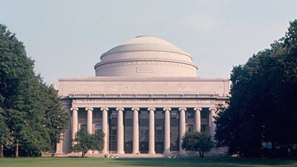 Building 10, the centerpiece of the main campus of MIT, and the dome. - Sputnik International