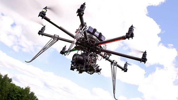 Desert Wolf's Skunk Riot Control Copter pepper-spray drone - Sputnik International