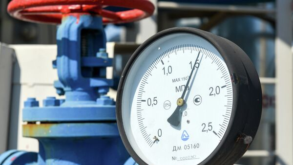 A picture shows a pressure gauge at a compressor station of Ukraine's Naftogaz national oil and gas company near the northeastern Ukrainian city of Kharkiv on August 5, 2014 - Sputnik International