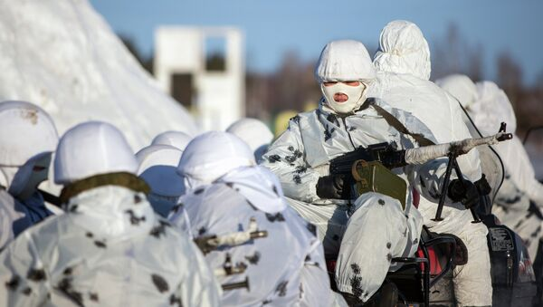 Cadets in the unique Russian Arctic infantry Marshal Rokossovsky Far East Higher Command School (DVVKU) during training exercises on a range in the Amur Region - Sputnik International
