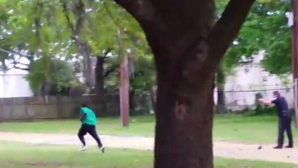 South Carolina Cop Faces Murder Charge After Video Shows Fatal Shooting - Sputnik International