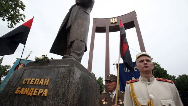 Veterans of the Ukrainian Insurgent Army (OUN-UPA) at the monument to Stepan Bandera during the Heroes Festival in Lviv. - Sputnik International