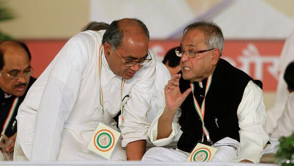 Secretary General of Indian National Congress Digvijay Singh (left) - Sputnik International