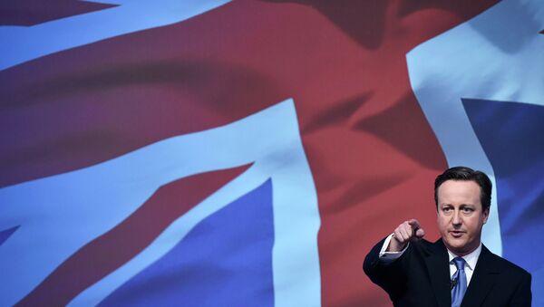 Britain's Prime Minsiter David Cameron launches the Conservative Party's election manifesto in Swindon, western England, April 14, 2015 - Sputnik International
