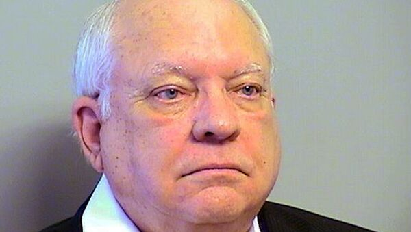 This Tuesday, April 14, 2015 photo provided by the Tulsa County, Oklahoma, Sheriff's Office shows Robert Bates. The 73-year-old Oklahoma reserve sheriff's deputy, who authorities said fatally shot a suspect after confusing his stun gun and handgun, was booked into the county jail Tuesday on a manslaughter charge. - Sputnik International
