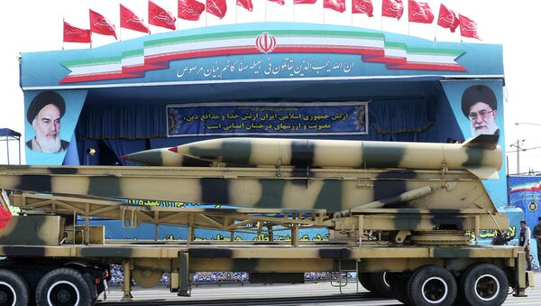 Missiles are displayed by the Iranian army in a military parade marking National Army Day - Sputnik International