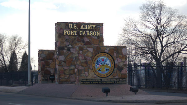 One of the main entrance signs at Fort Carson - Sputnik International