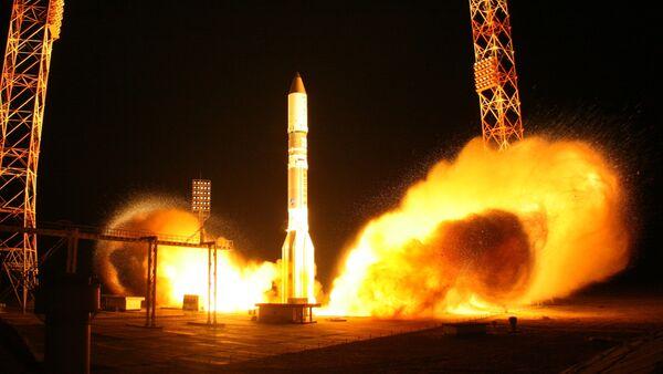 Launching Proton-M rocket carrying communications satellite - Sputnik International
