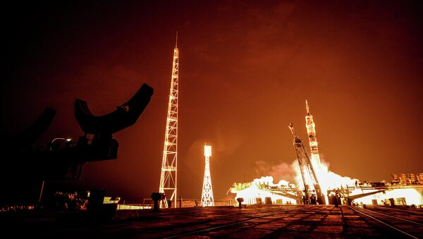 The launch of the Soyuz ТМА-14 rocket carrying the prime crew of the 41/42 International Space Station expedition, Baikonur Cosmodrome. - Sputnik International