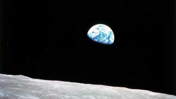 Earthrise as seen from the Moon - Sputnik International