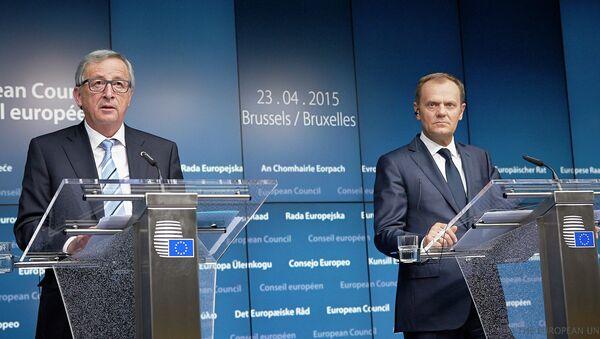 Mr Jean-Claude Juncker, President of the European Commission (left) and Mr Donald Tusk, President of the European Council (right) - Sputnik International